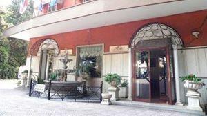Villa_Robinia-Genzano_di_Roma-Aussenansicht-1-747113